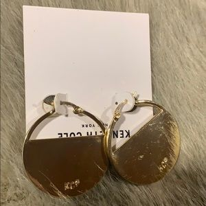 Kenneth Cole Jewelry - Kenneth Cole gold and shell like earrings